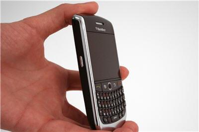 onappréciele gain d'espace et en poids du téléphone.