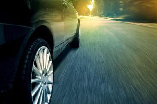 Les voies dédiées aux bus et taxis sur autoroute seront interdites aux VTC