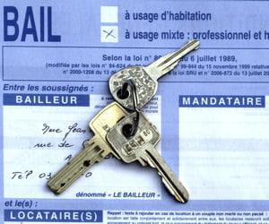 les prix de l'immobilier en baisse facilitent l'installation.