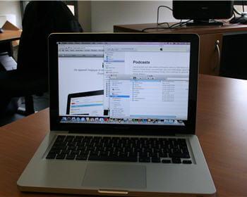 le macbook pro en cours d'utilisation