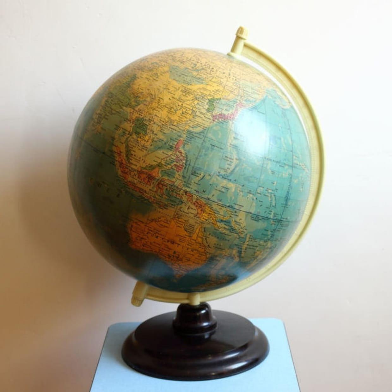 Globe terrestre r ths ann es 60 partir de 120 euros - Globe terrestre en carton ...