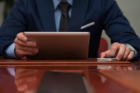 Comment contacter une personne très occupée par mail ?