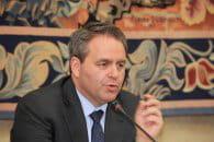 xavier bertrand, ministre du travail et de l'emploi