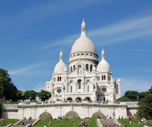 la basilique du sacré cœur, dans le 18e arrondissement.
