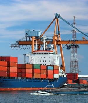 l'etat concentre ses projets portuaires sur quelques villes.