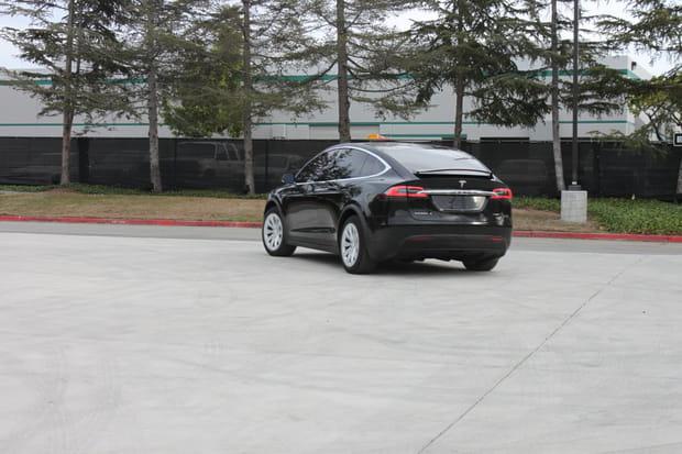La Model X peut parcourir jusqu'à 400km