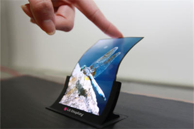 La grande offensive des écrans OLED flexibles