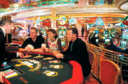 aux etats-unis, les paquebots de croisière sont transformés en casinos
