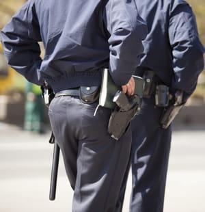 les suppressions de postes, y compris au sein du service dédié à la sécurité du