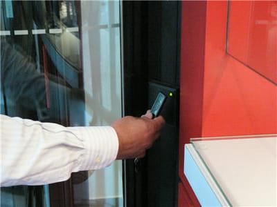 système de gestion des accès du centre de données de telecitygroup à courbevoie.