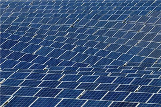 Apple : un datacenter entièrement alimenté par panneaux solaires