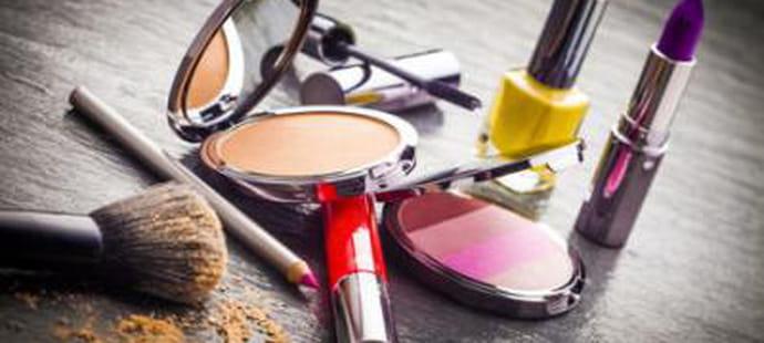 Beauté et Cosmétiques: quels annonceurs investissent le plus en liens sponsos?