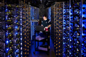 intérieur d'un des principaux datacenters de google aux etats-unis. il est situé