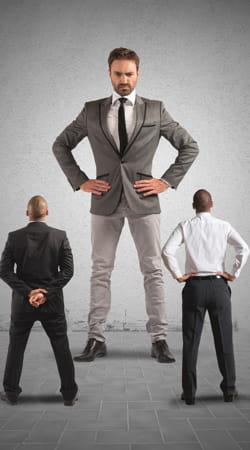 votre chef règne-t-il en despote sur le bureau ? voici comment le découvrir.