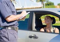 dans le cas de l'automobiliste et du policier, on attendra une réponse