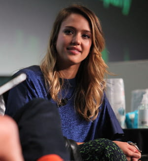 jessica alba est la co-fondatrice de the honest company.