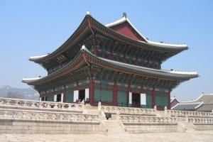 le palais royal de kyongbok.