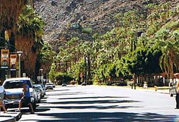 rue de palm springs, à quelques kilomètres de rancho mirage.