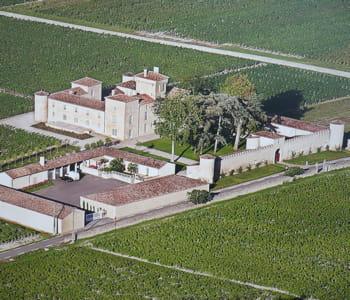 les plus vieilles pierres du château dateraient du xiiie siècle.
