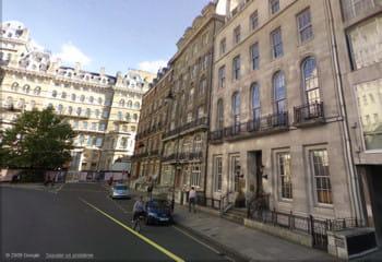 les bureaux londoniens de 1000mercis (premier immeuble à droite), à deux pas de