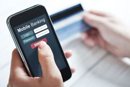 Directive européenne sur l'accès aux données bancaires : banques et fintech organisent leur lobbying