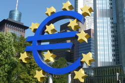 les banques centrales peuvent baisser les taux pour encourager investissements