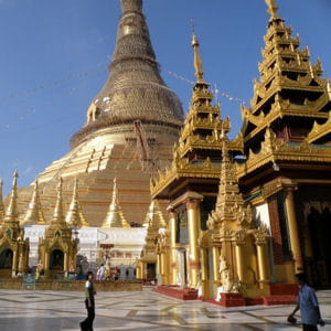 la pagode shwedagon en birmanie.