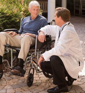 le nombre de places en maison de retraite pourrait pâtir de l'austérité.