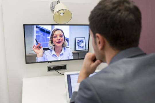 Skype intègre la traduction temps réel... en français