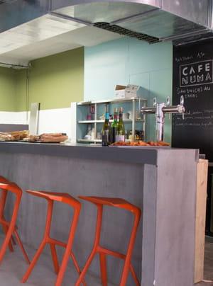 la café de numa, lieu de rencontre des entrepreneurs parisiens.