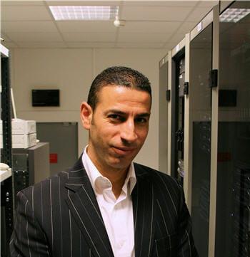 yassine benhadj est le responsable du département opérations.