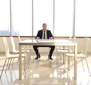 evitez de vous retrouver tout seul à vos réunions.