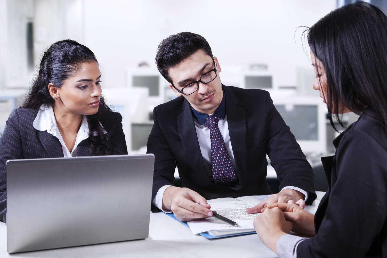 SLA (Service Level Agreement): définition et traduction