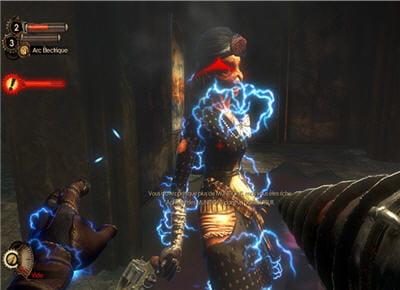 l'électricité étourdit les ennemis et peut les tuer s'ils ont les pieds dans