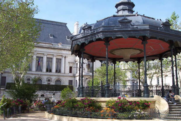 10ème. Saint-Etienne : 95,7% des locaux éligibles au Très Haut Débit