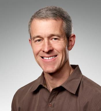 jeffrey e. williams est vice-président en charge des opérations chez apple.