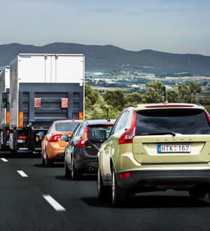 l'effet aérodynamique permet de réduire la distance entre les véhicules.