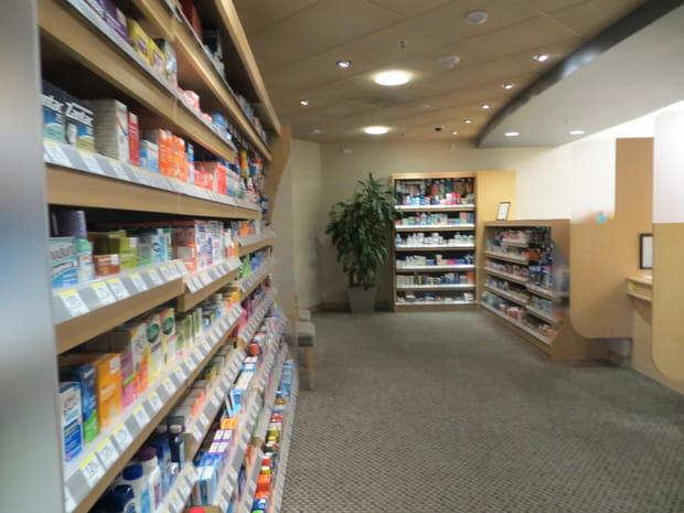 Une pharmacie à l'étage