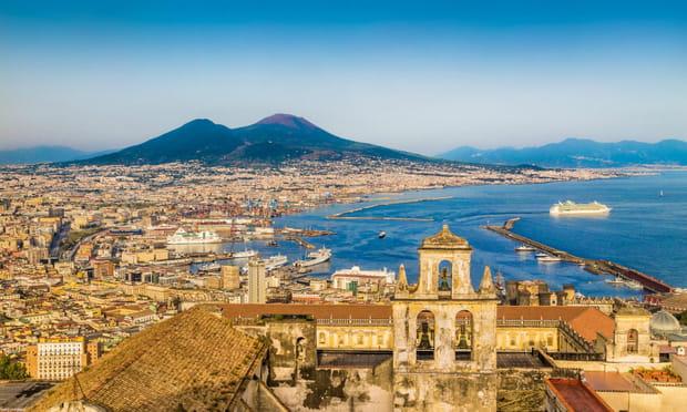 Naples (Italie): panoramique
