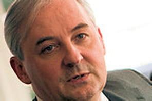 """François Pérol (Président de BPCE):""""Nous ferons tous les métiers de la banque"""""""