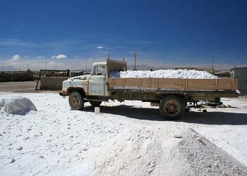 une mine de lithium en bolivie, le principal producteur mondial.