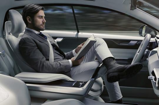 Volvo lance la conduite semi-autonome de série