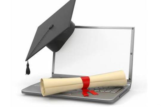 Mooc : comment des écoles d'ingénieurs préparent leurs offres