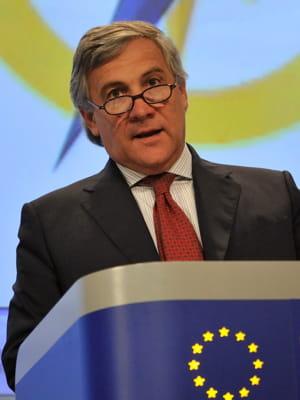 antonio tajani, commissaire européen à l'industrie.