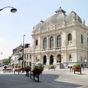 le théâtre de denain, dans le nord.