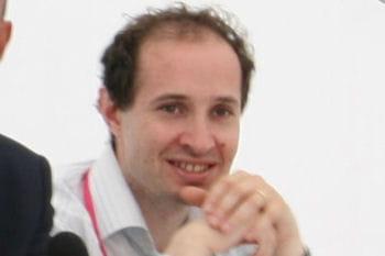 thomas serval est directeur de la divisionplate-forme et écosystèmede
