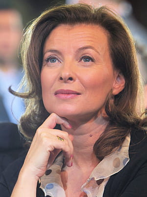 en 2013, valérie trierweiler disposait de cinq collaborateurs directs.