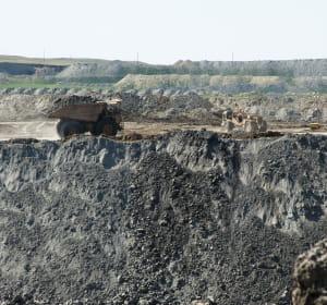 contrairement au pétrole, le charbon n'est pas prêt d'être épuisé.