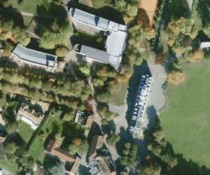 une vue aérienne du lycée saint-martin de france, à pontoise.