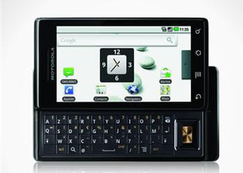 en mode horizontal, le téléphone est très confortable pour taper ses messages,